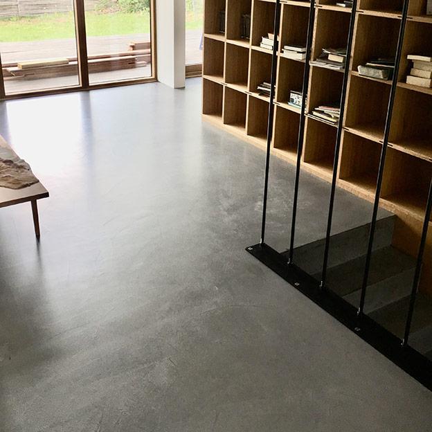 helstoebt-beton-trappe
